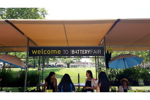 432-battery-park-market-stalls-c