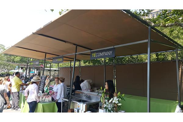 432-battery-park-market-stalls-h
