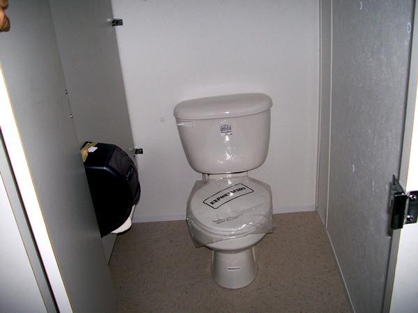 portable-ada-compliant-restroom-9